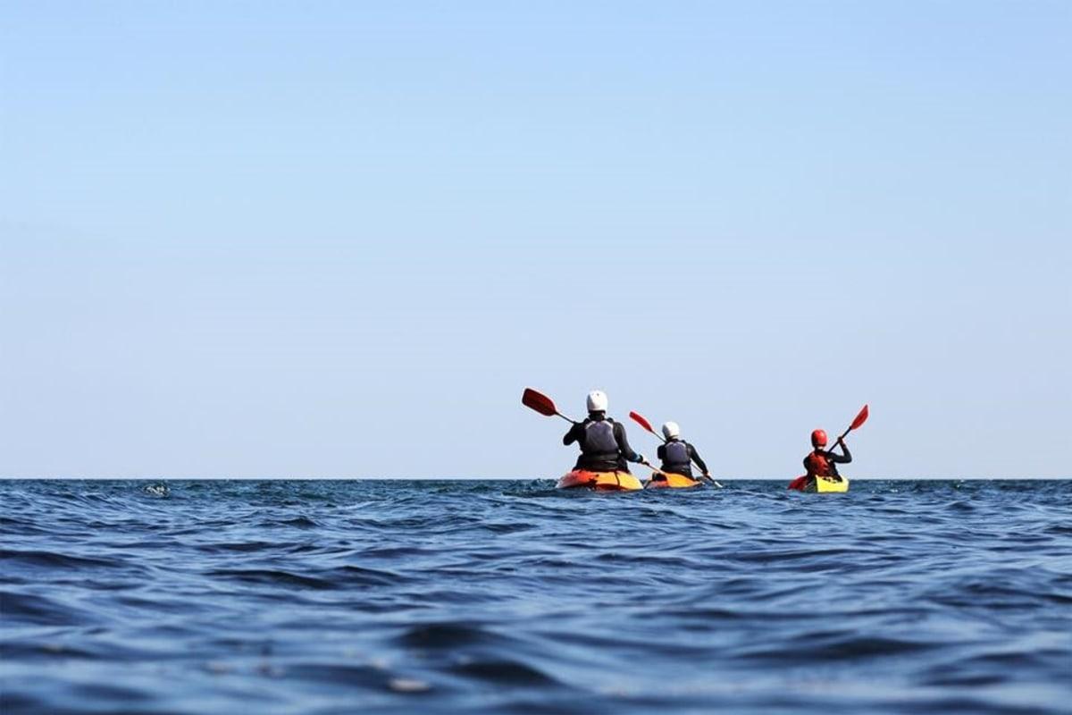 book kayaking cornwall