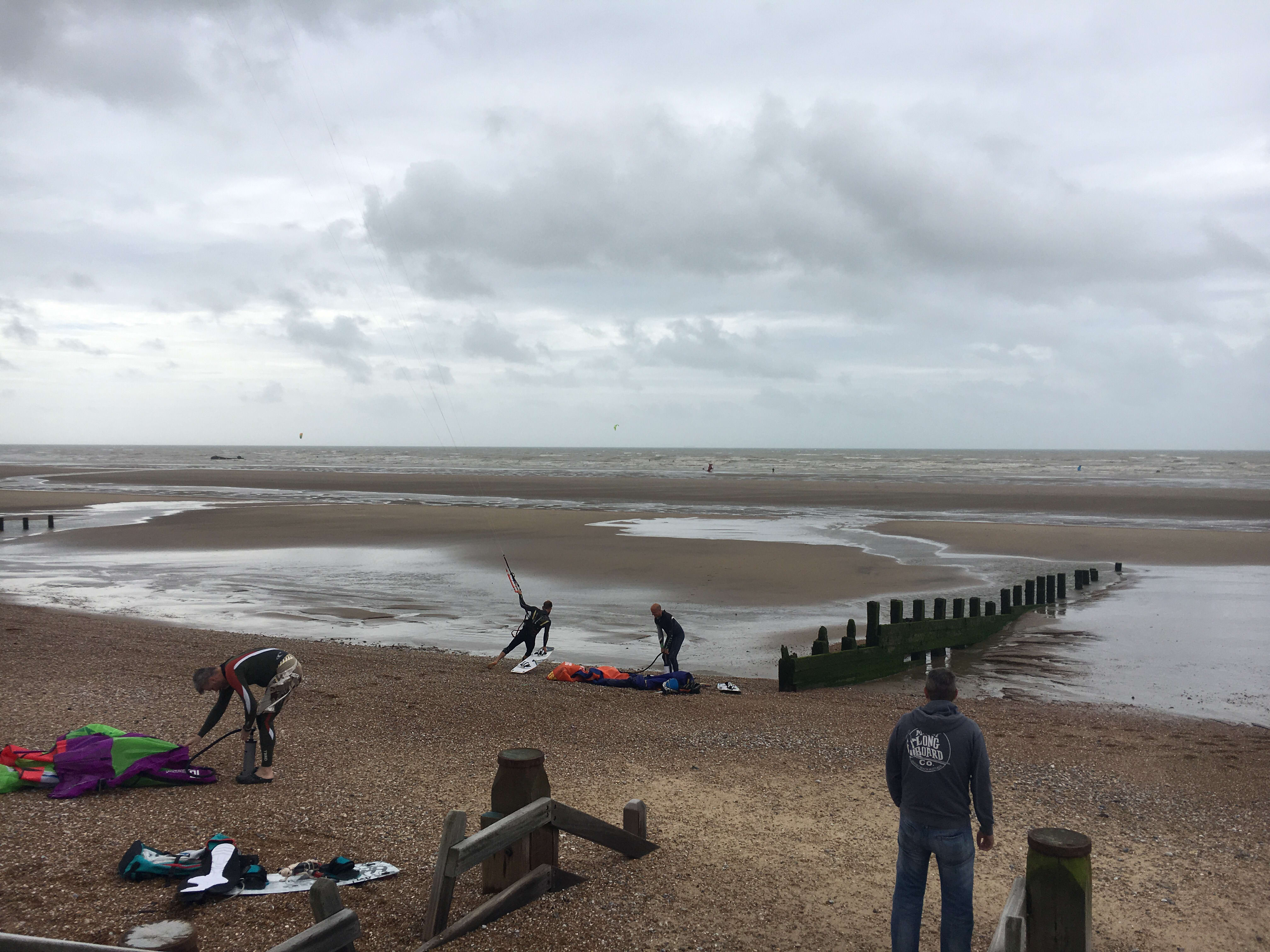 Kitesurfing in Camber Sands