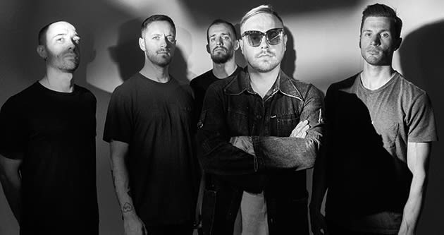 "Architects Share New Track/Video ""Black Lungs"""