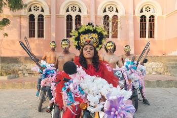 "Lido Pimienta Shares New Single ""Para Transcribir"" (Luna Remix)"