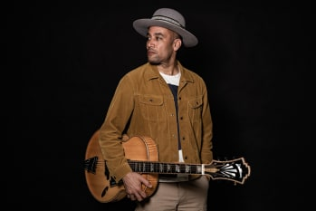 "Ben Harper Shares Video For New Single ""Don't Let Me Disappear"""
