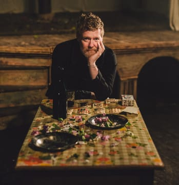 "Glen Hansard Debuts ""Setting Forth"""