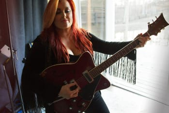 """Wynonna Signs To Anti, Releases """"Feeling Good"""" (Acapella)"""