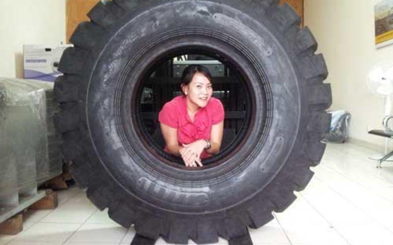 Ban Traktor Murah