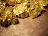 ​2 Gold Mining Stocks Trading at a Bargain