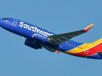 ​5 Reasons to Buy Southwest Airlines