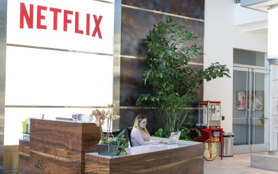 Investors Should Be Cautious With Netflix