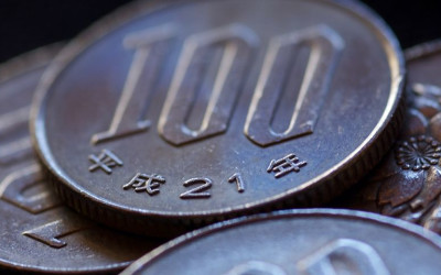USD/JPY: Threatening the Double-Bottom on a Duo of Negative Factors