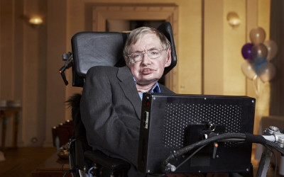 What Stephen Hawking Taught Us About Critical Thinking