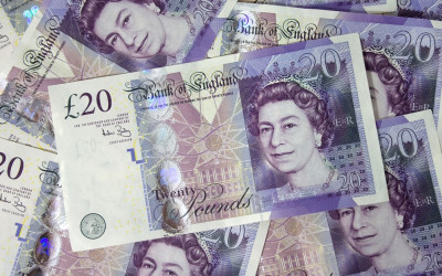 GBP/USD Rises as Fed Opens Door to Rate Cuts