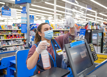 Walmart Beats Estimates for Fiscal Q3; Online Sales Up 79%