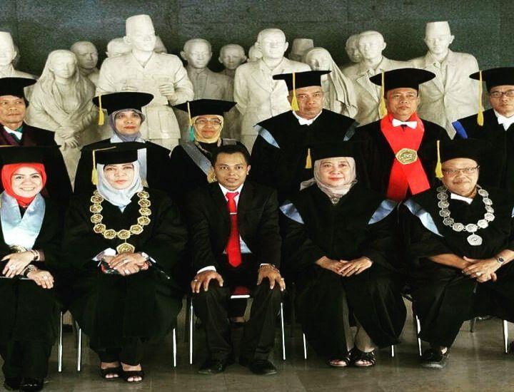Ketua STMIK AUB Surakarta: Wisudawan Termuda Program Doktoral