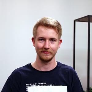 Portraitfoto von Niklas Loos