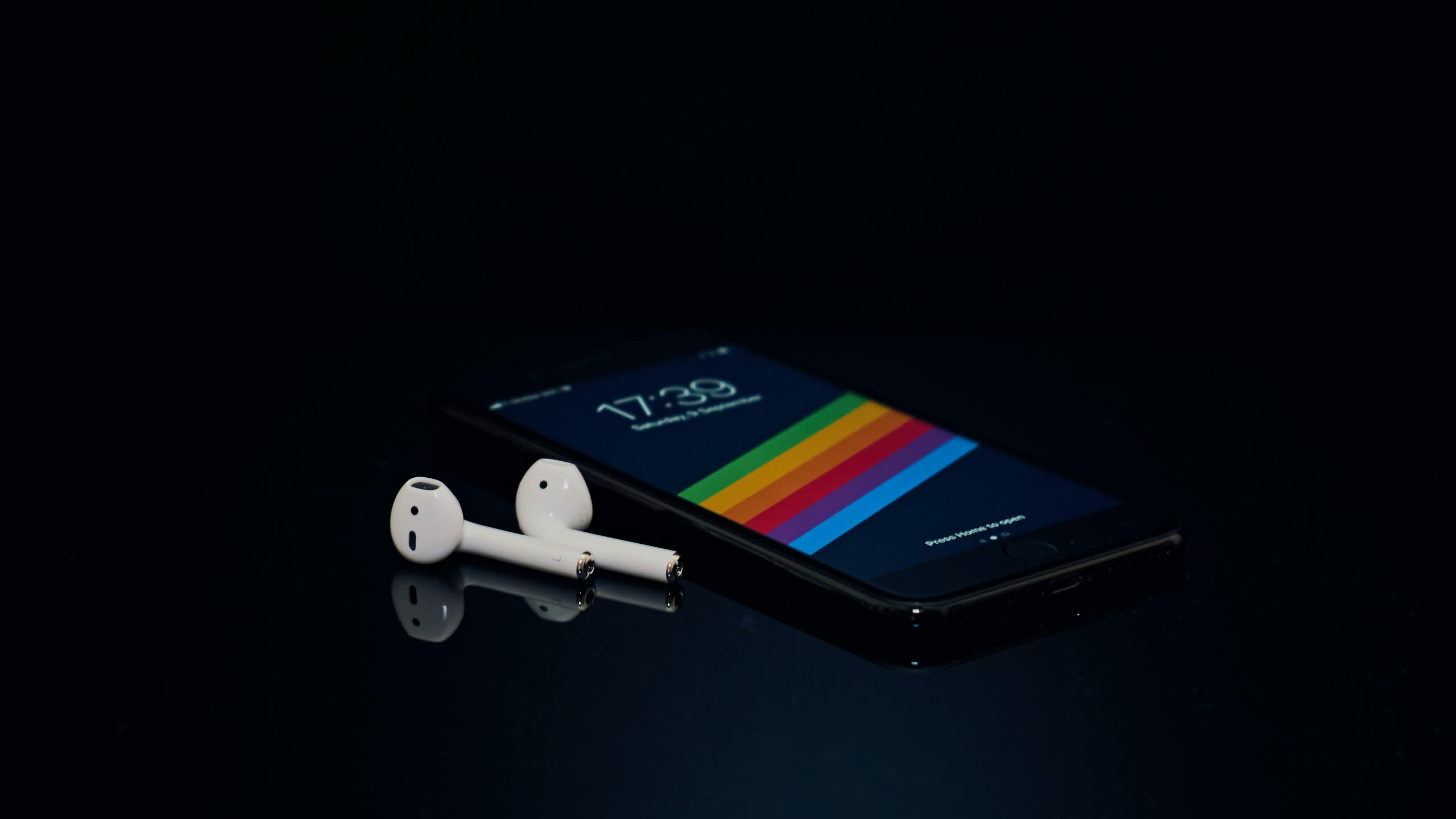 airpods-future-upgrade-could-improve-iphone-battery-life-20200825-2