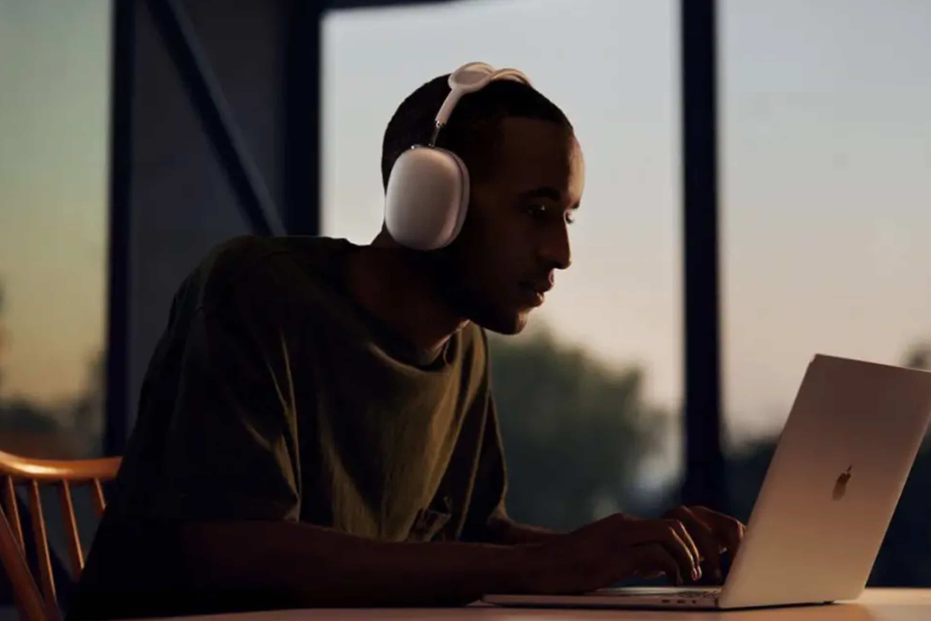 apple-shares-helpful-tips-for-airpods-max-20201215-1