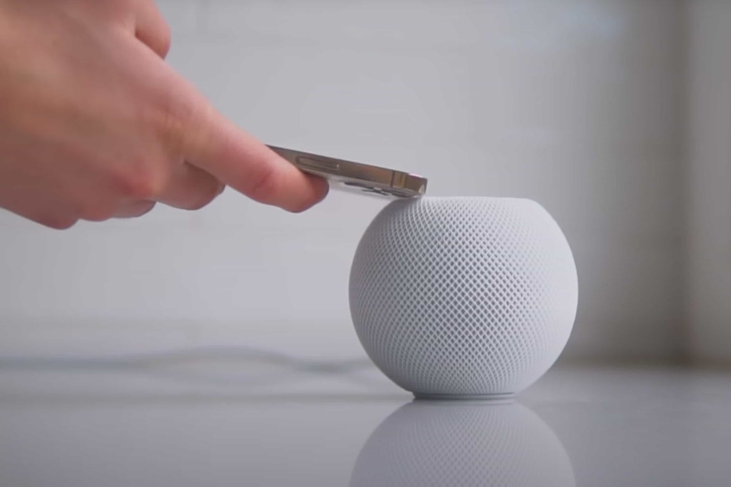 apple-homepod-mini-makes-big-trouble-for-owners-20201124-1