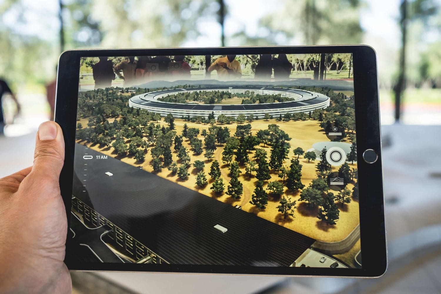 apple-ipad-rumored-to-get-screen-and-chip-upgrades-in-2021-20201210-1