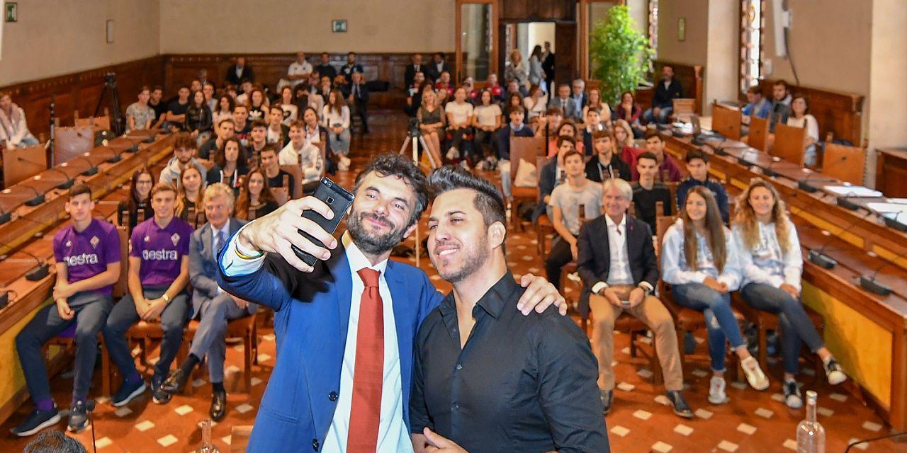 Biffoni brazo selfie