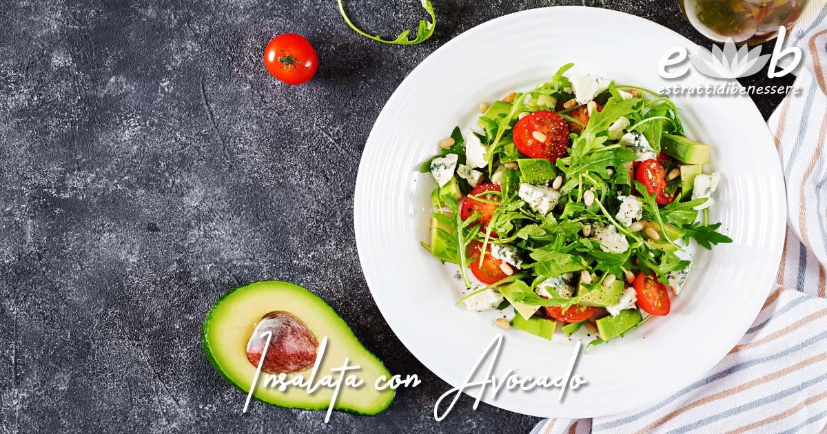 insalata con avocado feta pomodorini olio extravergine di oliva