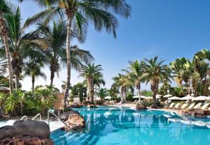 Hotel Jardin Tropical Pool