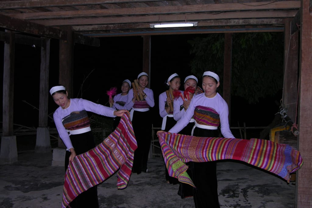 Pu Long Vietnam - folklore