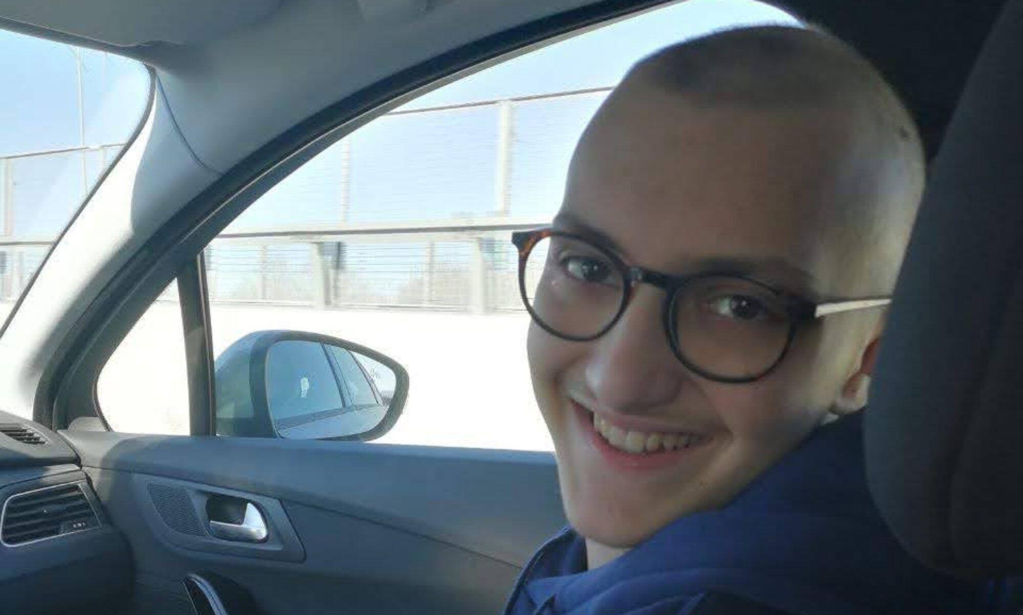 primo piano Eugenio in auto