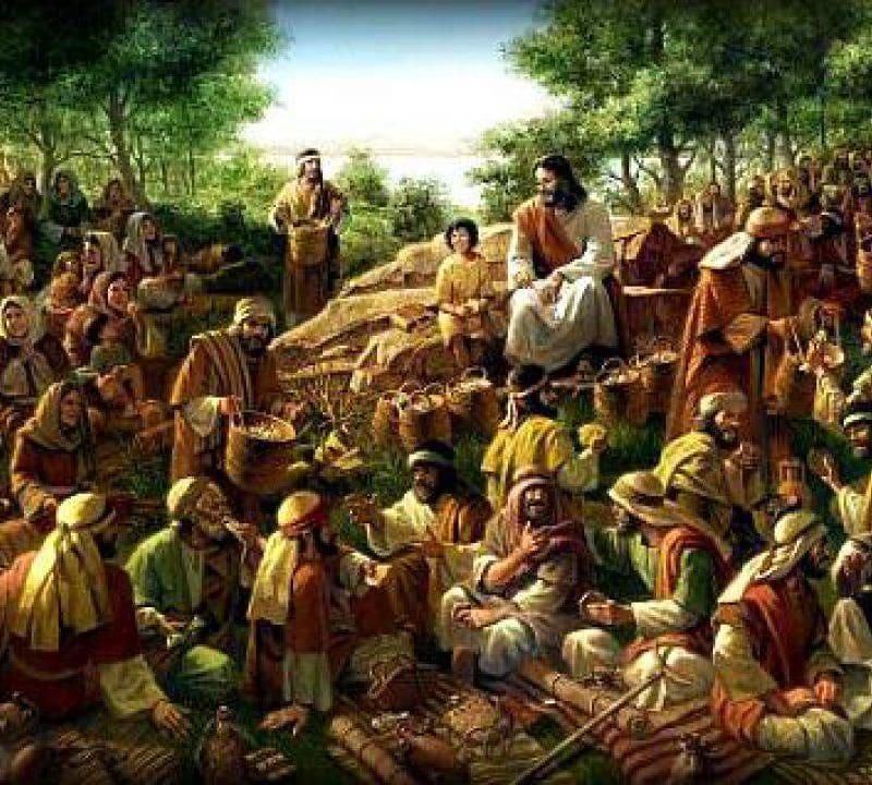 Gesù parla alla folla