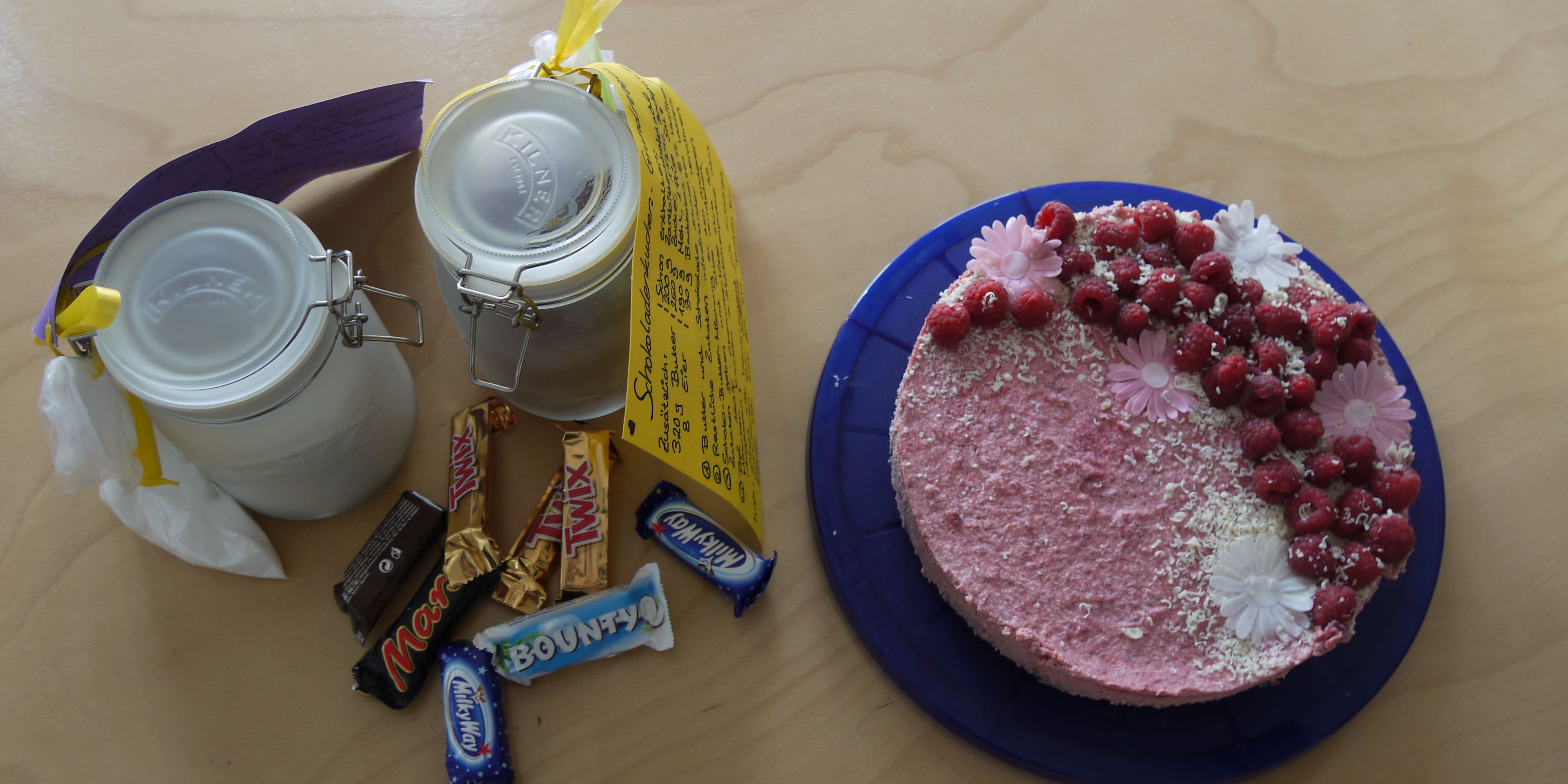 Kuchen und Prakti-Kiste Anna-Lena