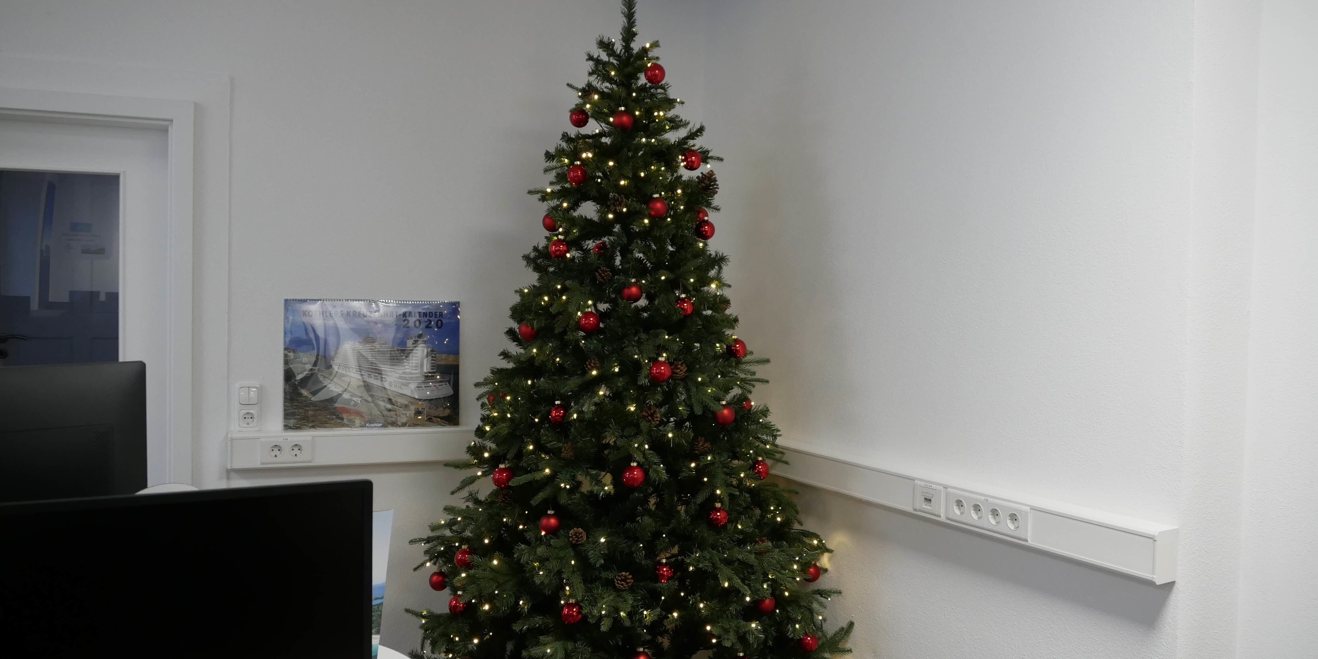 Weihnachtsbaum im Reisevertrieb