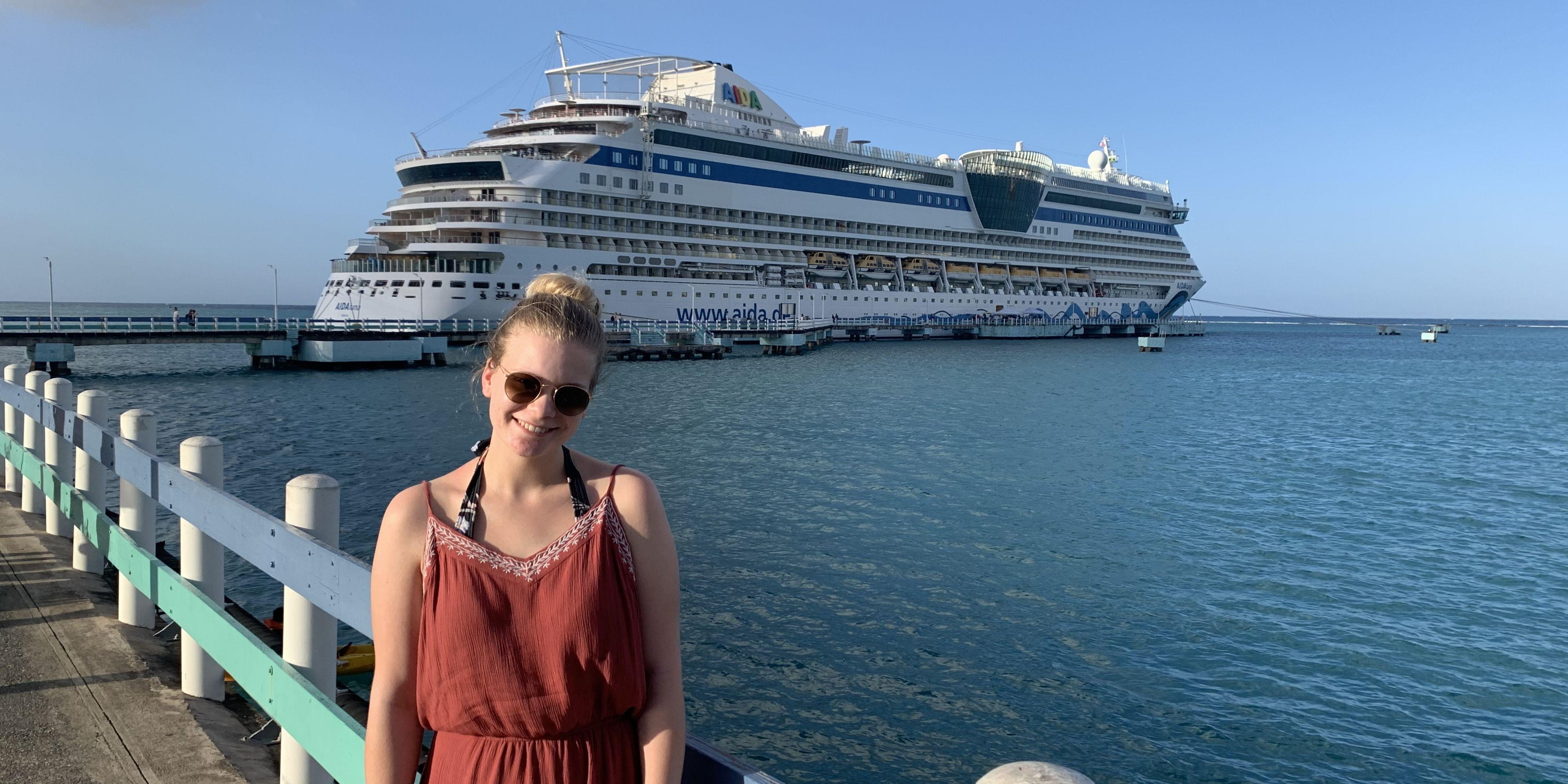 Cruisecaro vor AIDAluna