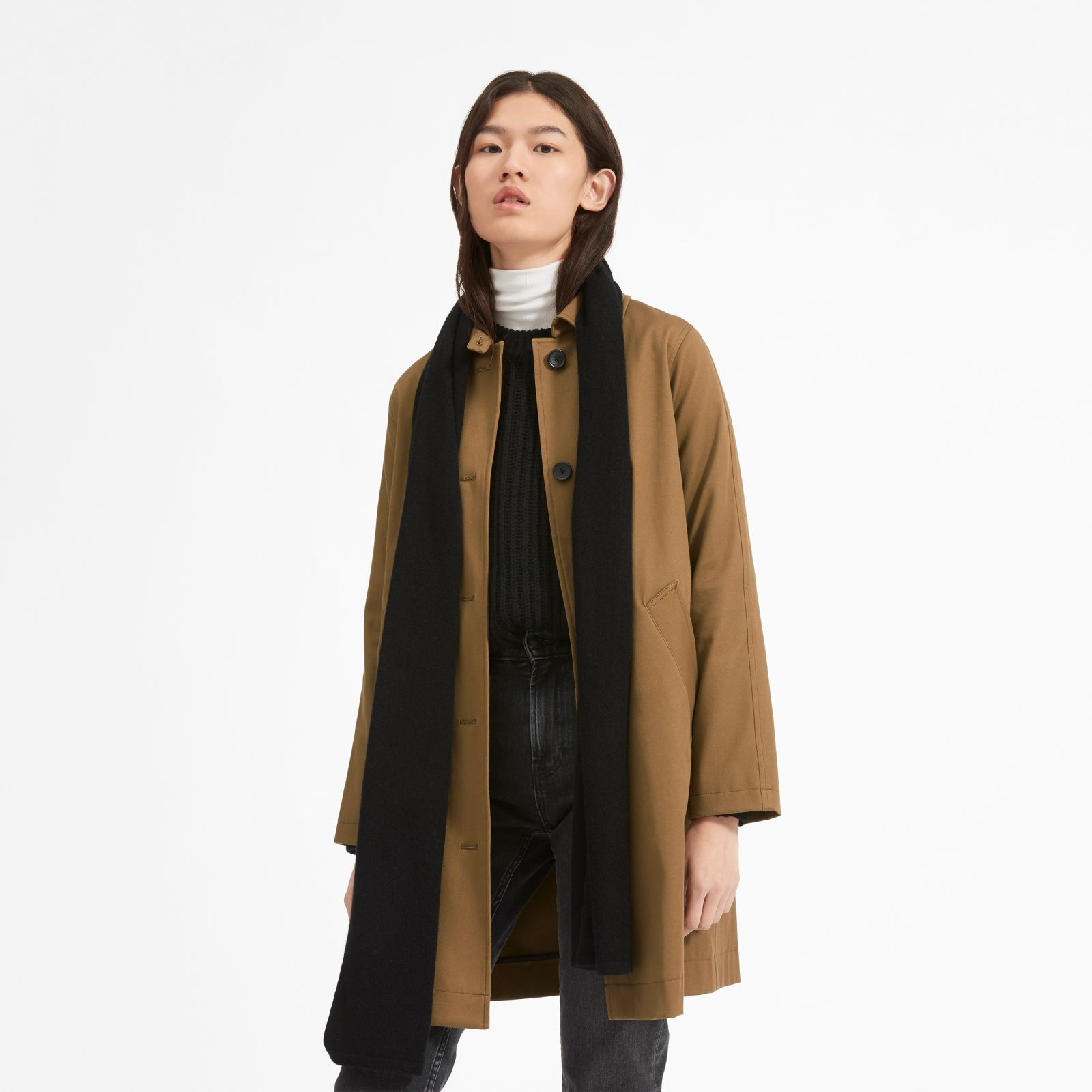 women's cashmere scarf by everlane in black