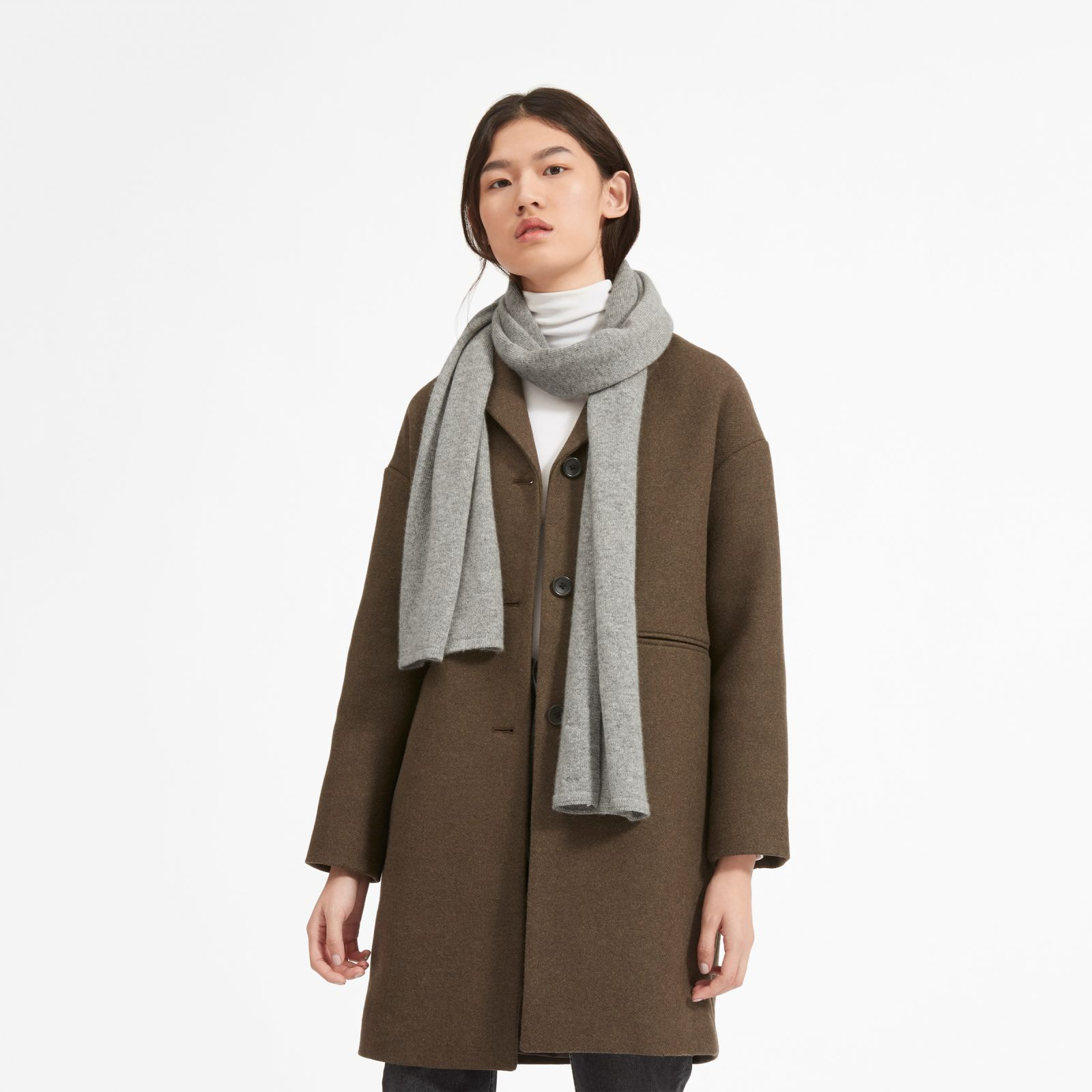 women's cashmere scarf by everlane in heather grey