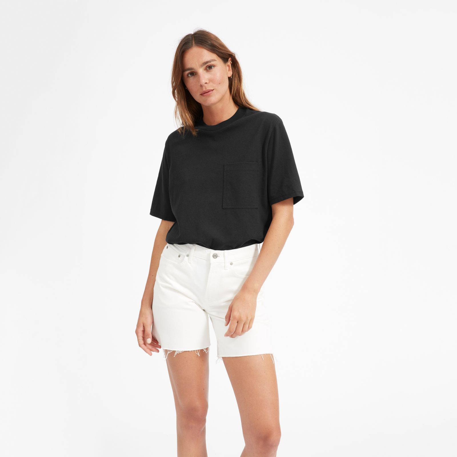women's oversized pocket t-shirt by everlane in washed black, size l