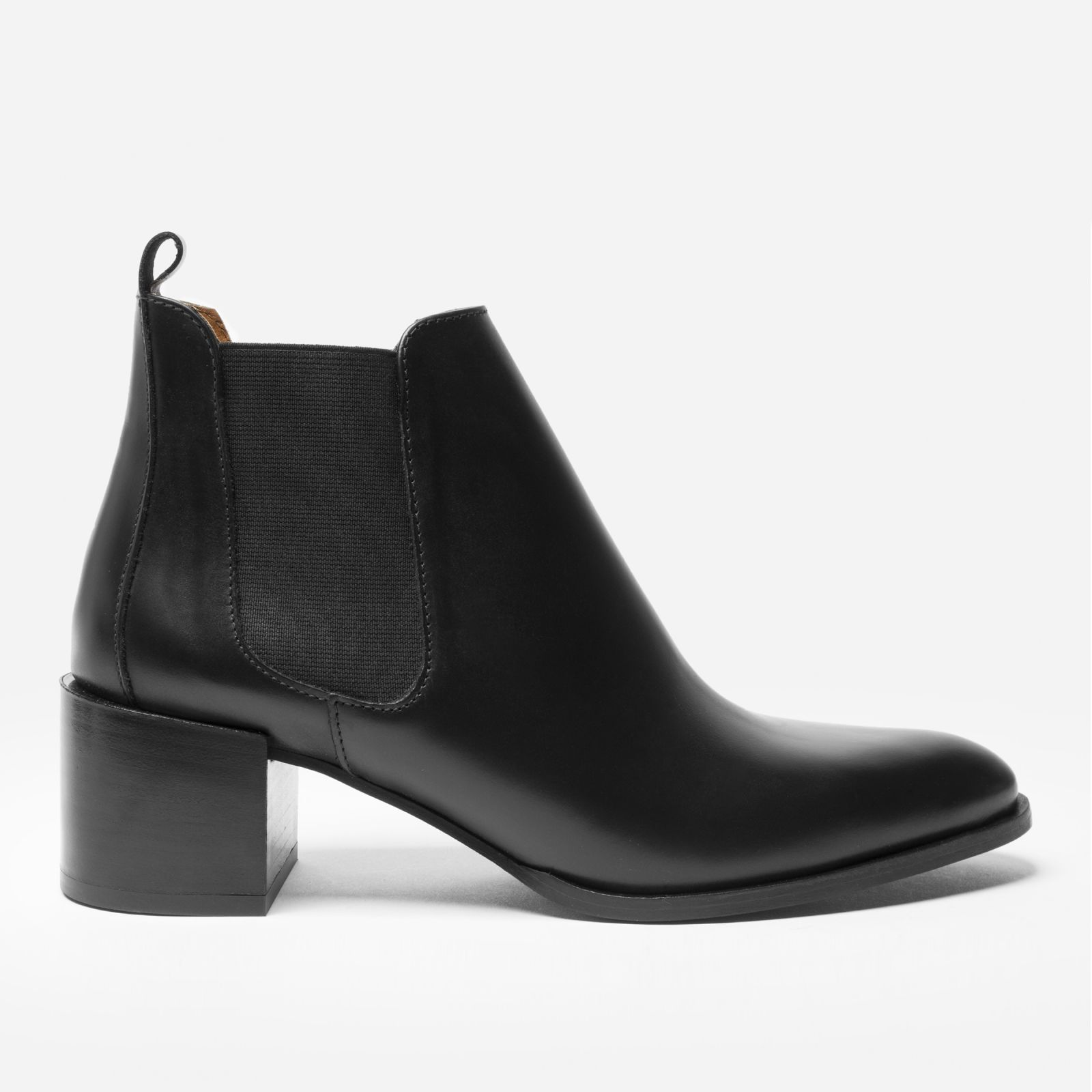 women's heeled booties by everlane in black, size 5.5