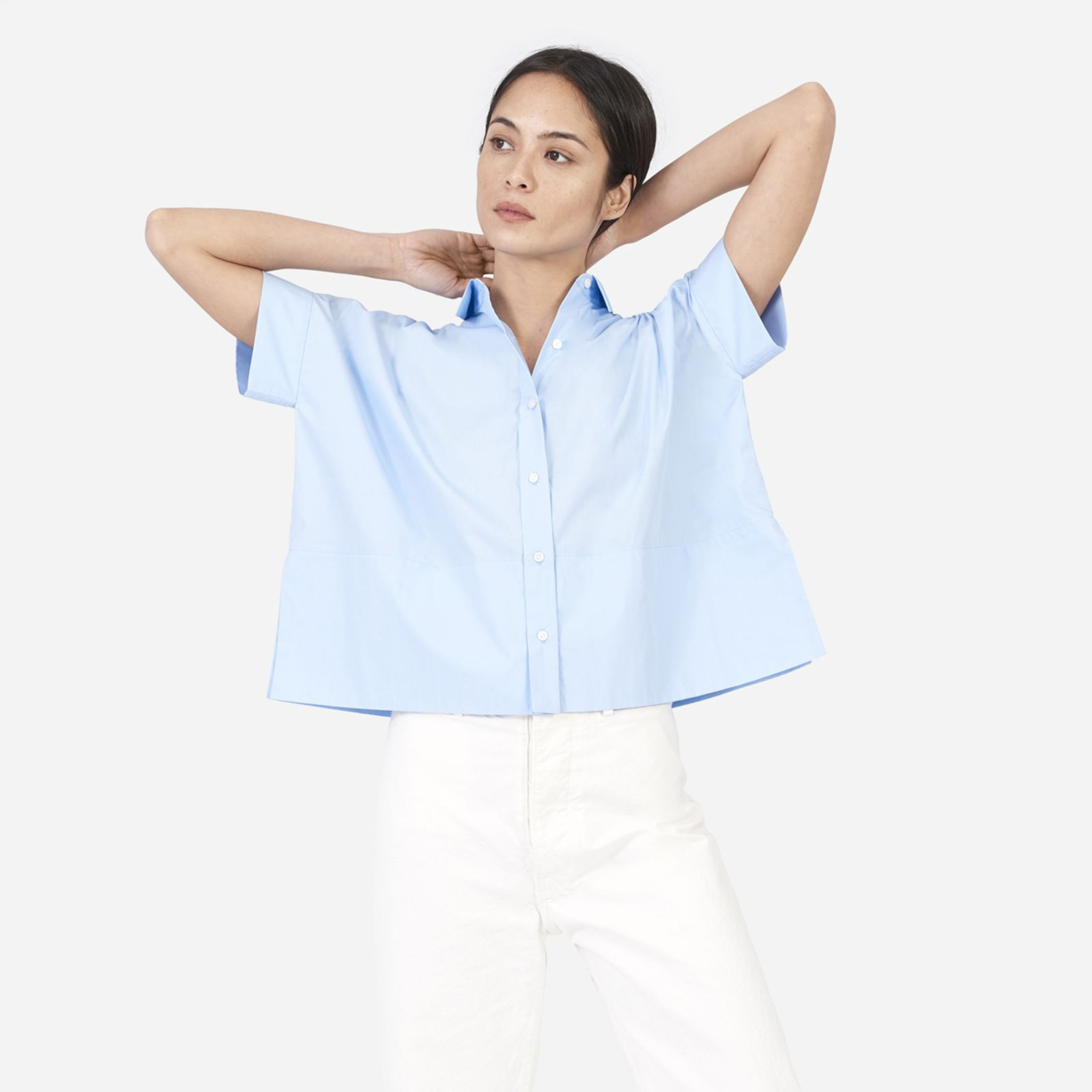 women's cotton poplin short-sleeve square shirt by everlane in pale blue, size 00
