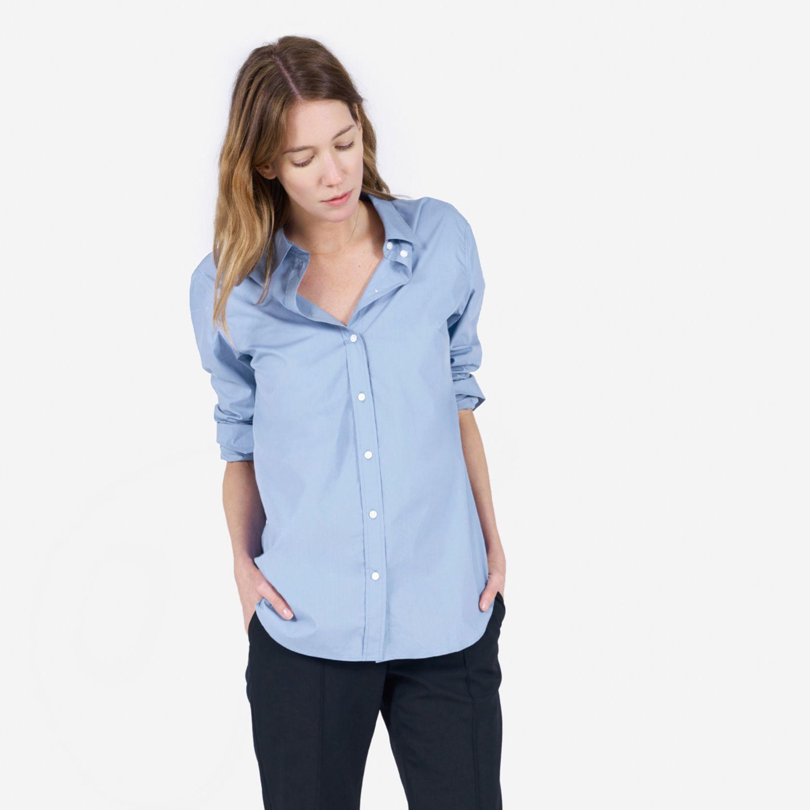 women's relaxed poplin shirt by everlane in light blue, size 12