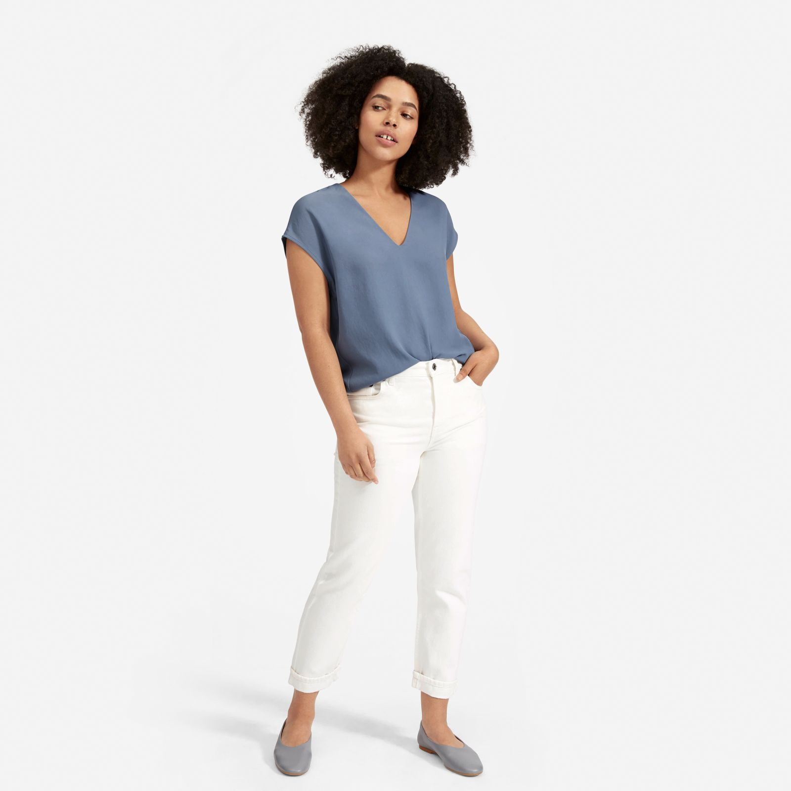 women's japanese goweave v-neck t-shirt by everlane in dusty blue, size 16