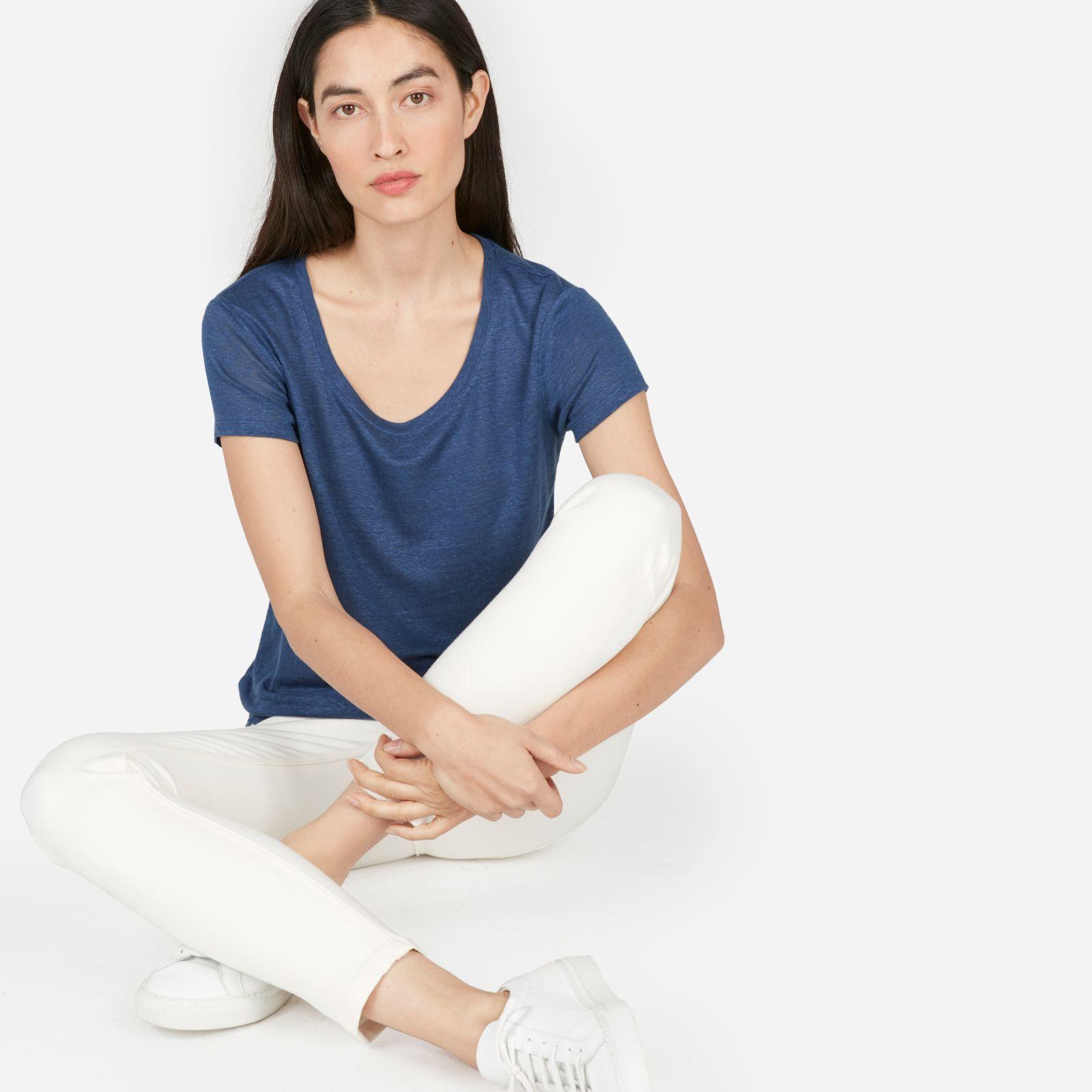 women's linen scoop-neck t-shirt by everlane in medium indigo, size s