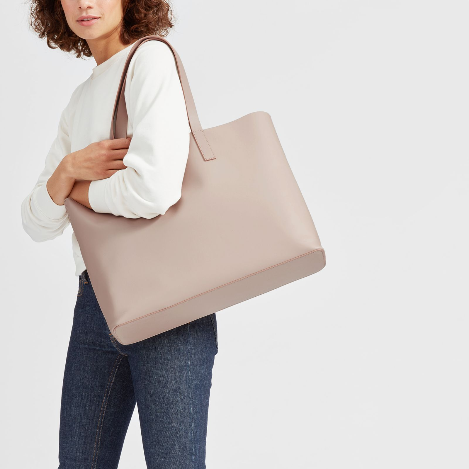leather market tote bag by everlane in blush