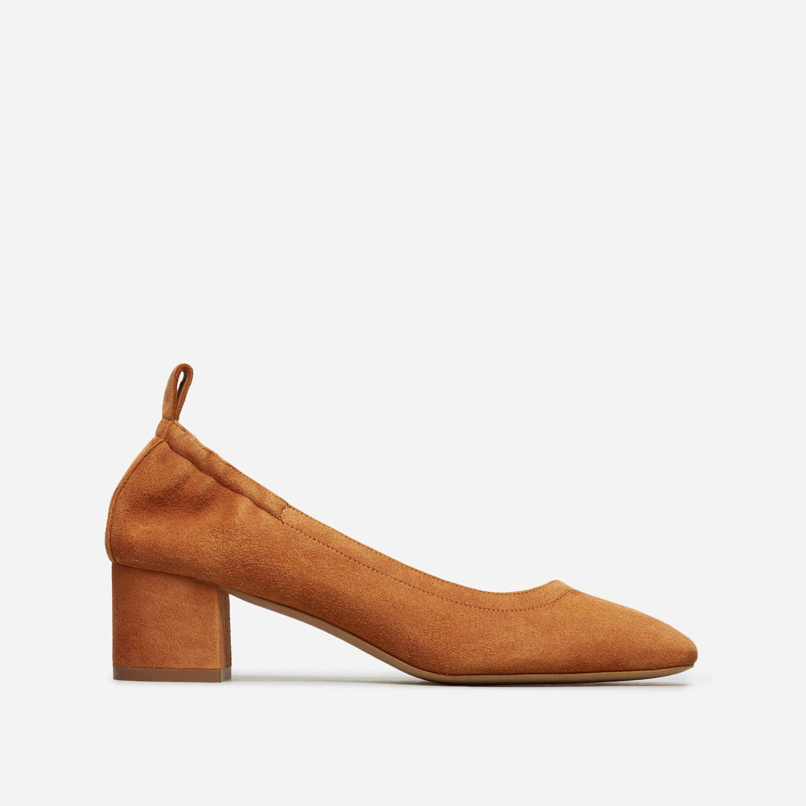 women's leather block heel pump by everlane in cognac suede, size 11