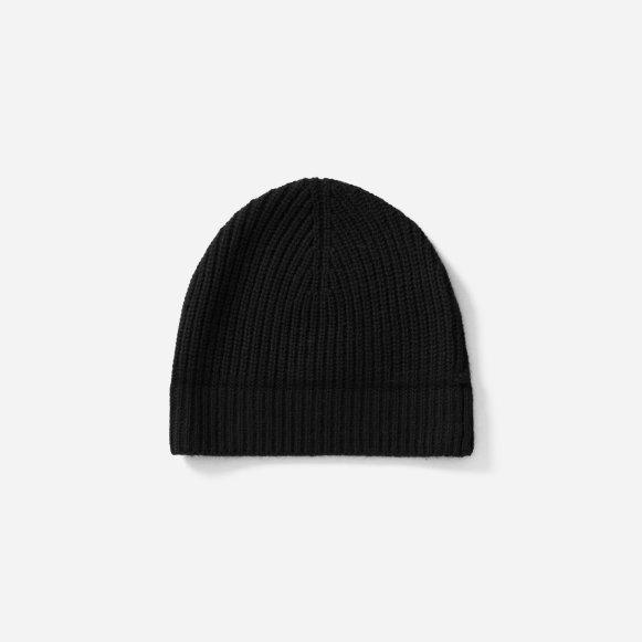 49093df6f6dcf The Wool-Cashmere Rib Beanie in Black