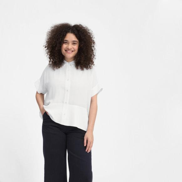 be8103ad2838e0 Women's Clean Silk Short-Sleeve Square Shirt | Everlane