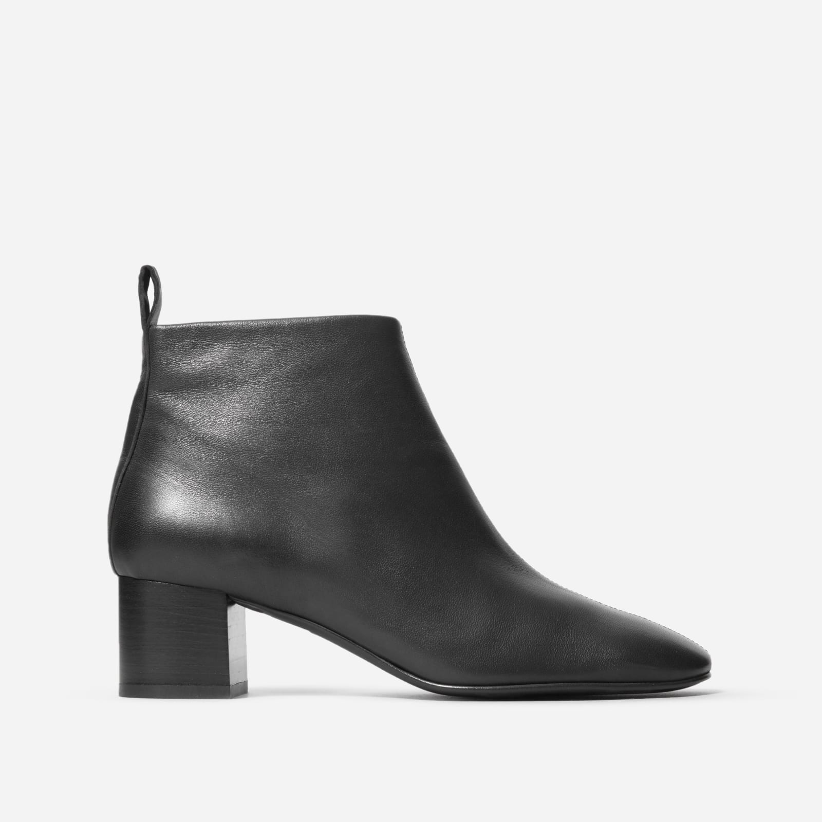 chelsea boot by everlane in black, size 5