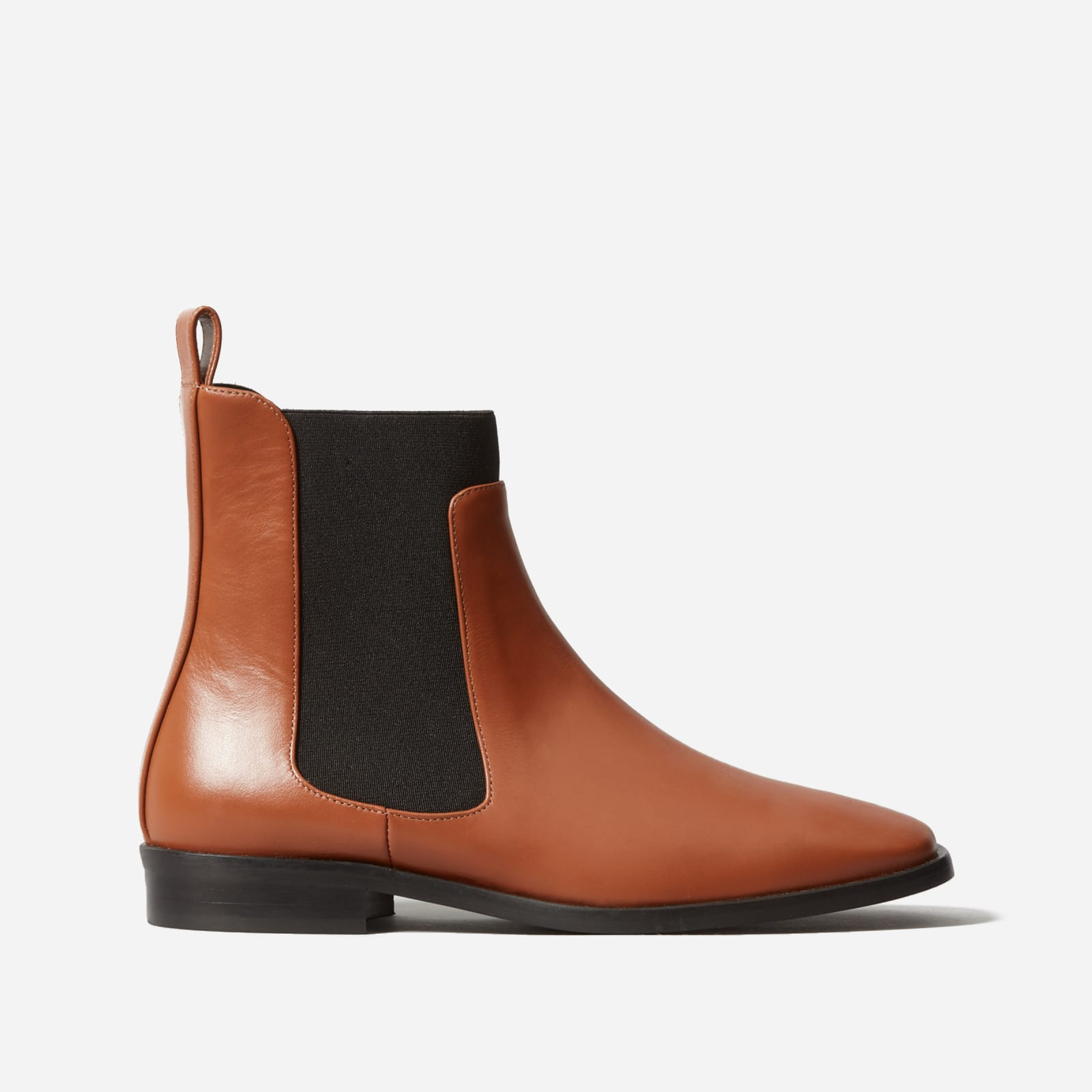 square toe chelsea boot by everlane in peanut, size 5