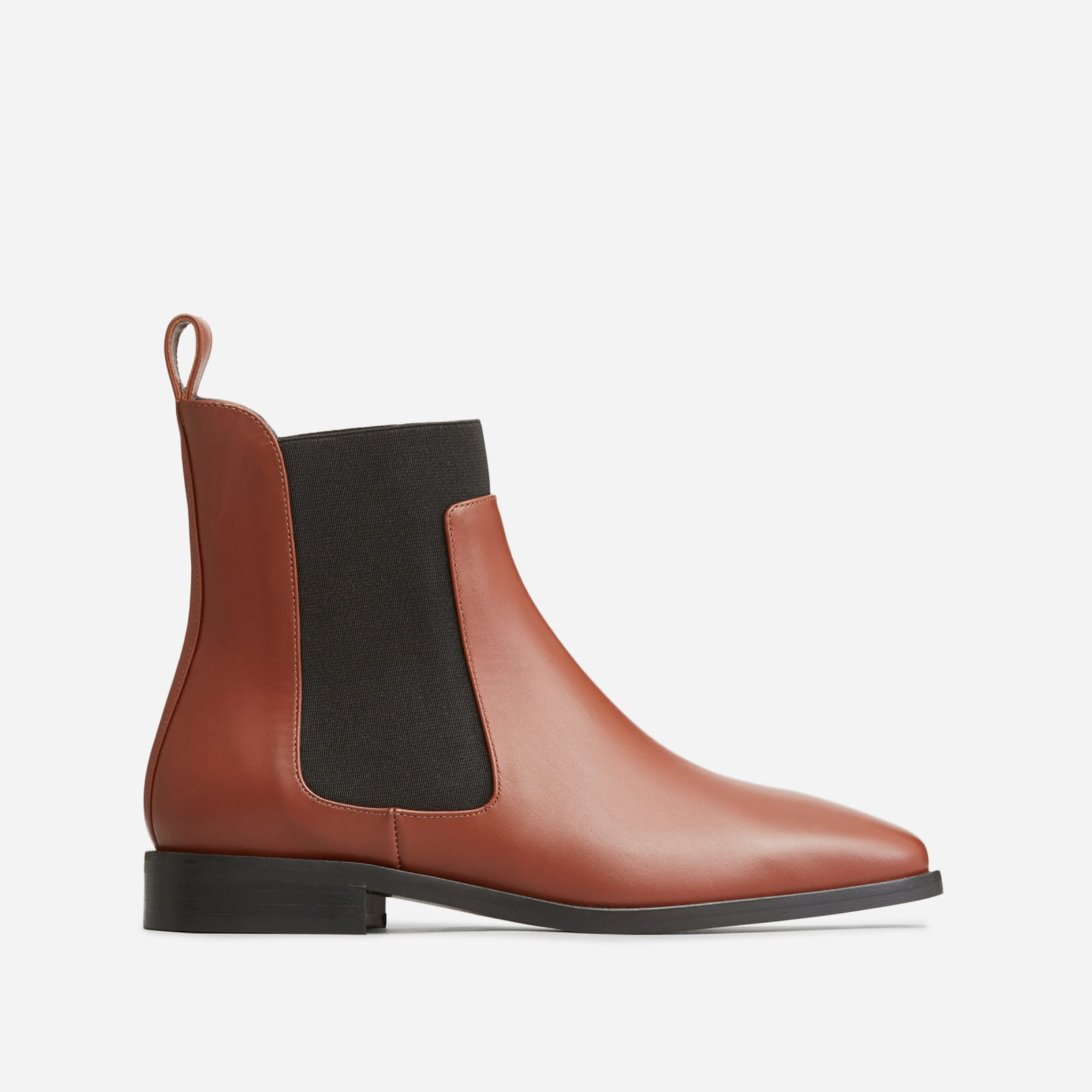 square toe chelsea boot by everlane in cedar, size 10