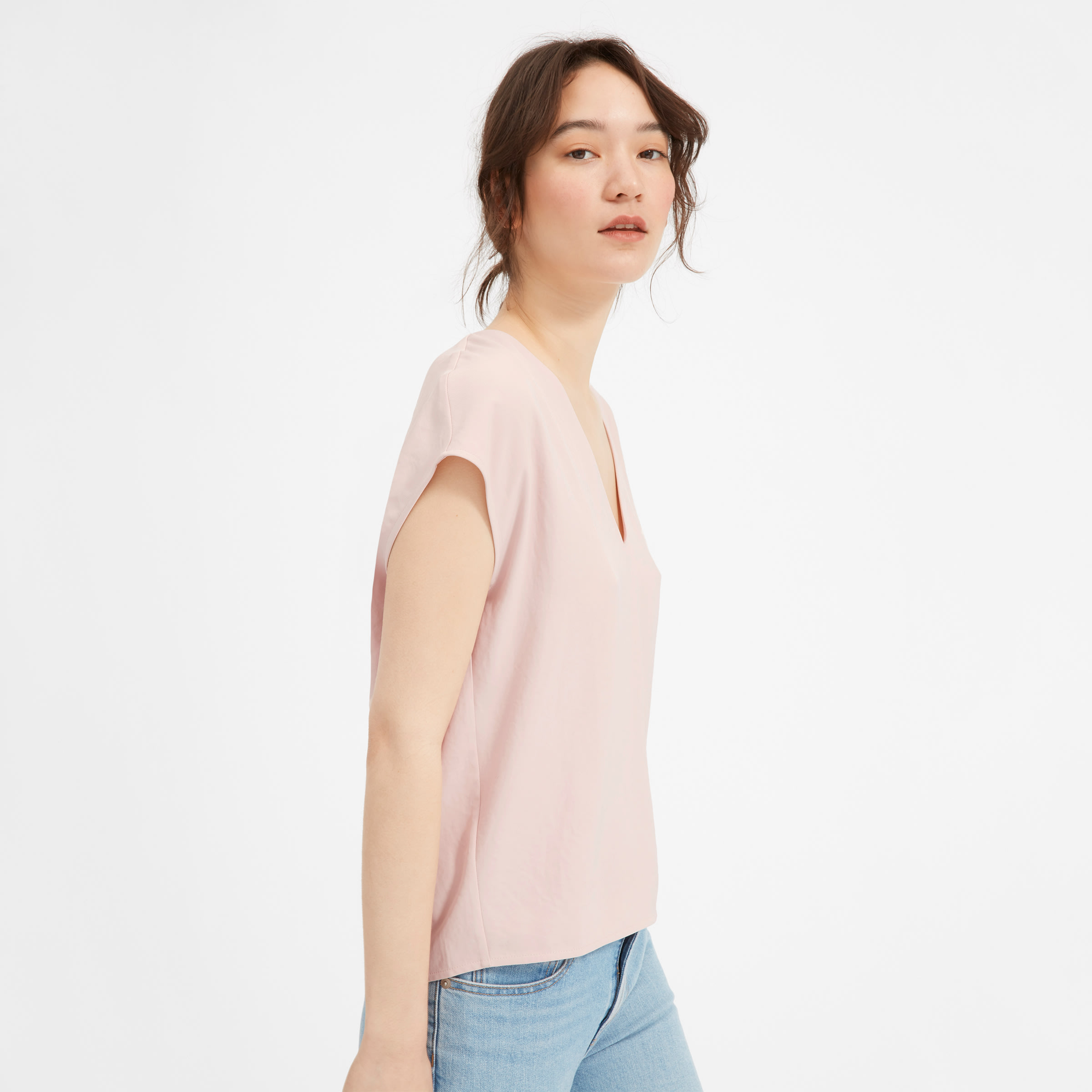 The Japanese Go Weave V Neck Tee by Everlane