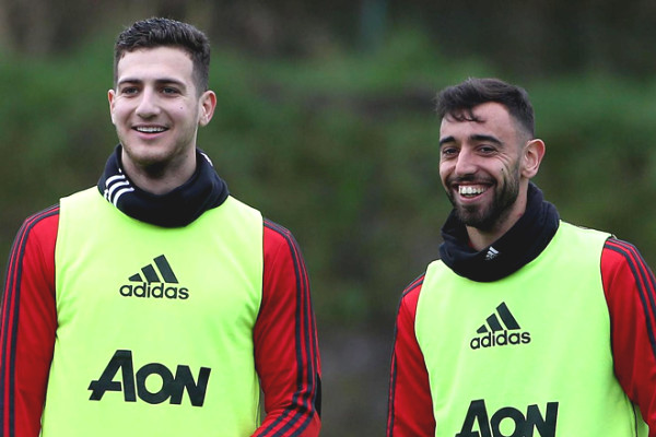 MU claimed Dalot sell, easy to lose a close friend Bruno Fernandes at Old Trafford