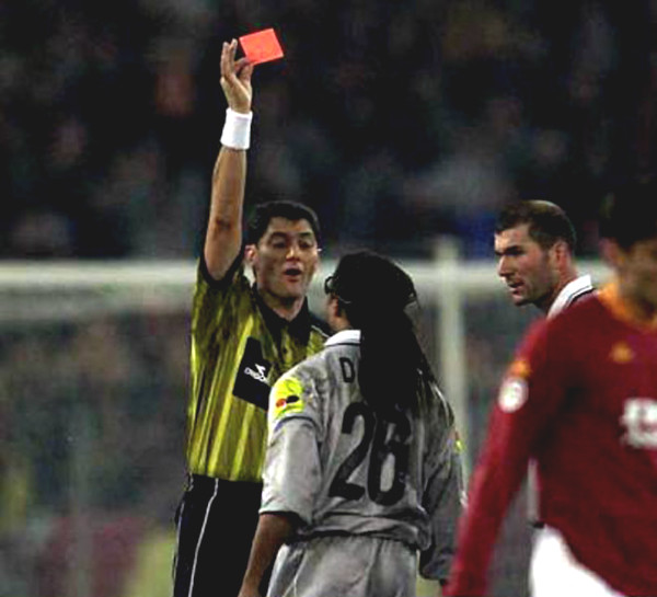 """King of the red card,"" Edgar Davids 25 removals: Hetero specialized personnel destroyed ""10"""