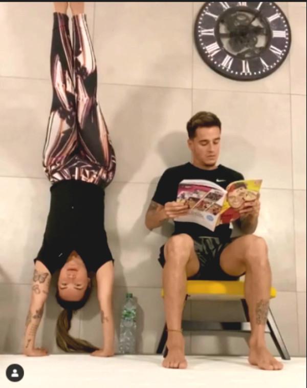 Superstar with beauty and strength training: Ronaldo relax, Rakitic strange posture training