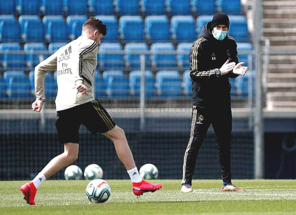 Coach Zidane did strange thing in Real's first training session after 2 months